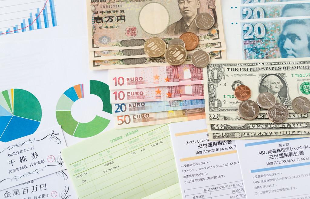 国内FXと海外FXはどう違うの?